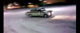 Fiat 125p – drift na śniegu